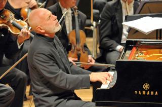 Piano Soloist: Vladimir Feltsman